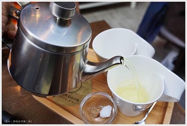 木門咖啡-34-蜂蜜檸檬生薑茶.JPG