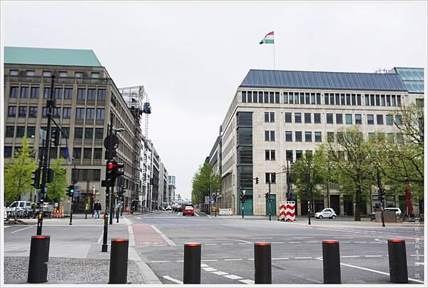 柏林-布蘭登堡門-8-法國領事館.JPG