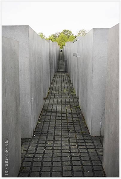 歐洲被害猶太人紀念碑-7.JPG
