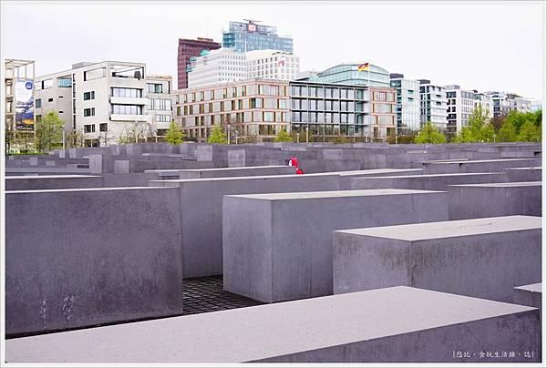 歐洲被害猶太人紀念碑-12.JPG