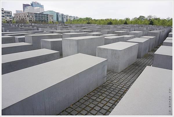 歐洲被害猶太人紀念碑-20.JPG