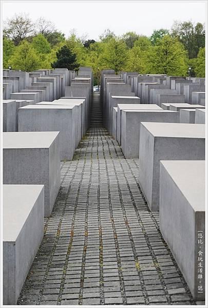 歐洲被害猶太人紀念碑-22.JPG