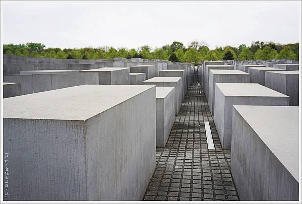 歐洲被害猶太人紀念碑-23.JPG