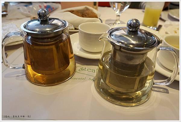 雅室牛排-繽紛莓果茶-2.JPG