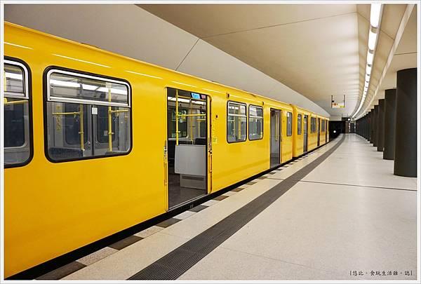 布蘭登堡門-2-地鐵.JPG