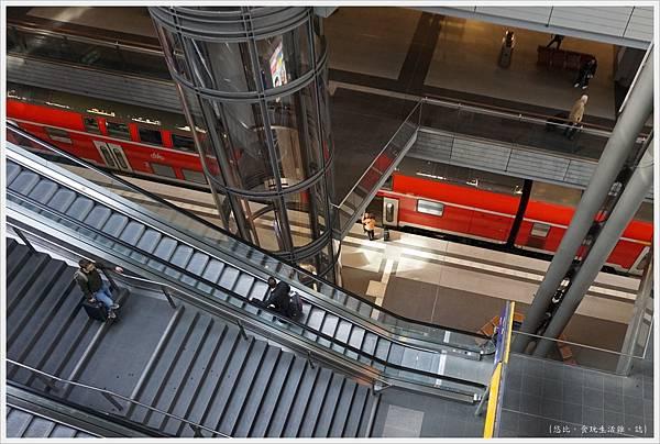 柏林火車站-21.JPG