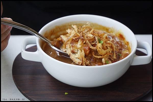 席樂法式料理-法式傳統焗烤洋蔥湯-2.JPG