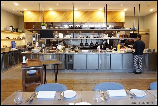 席樂法式料理-開放式廚房-3.JPG