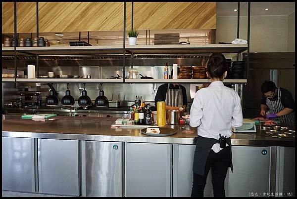 席樂法式料理-開放式廚房-2.JPG