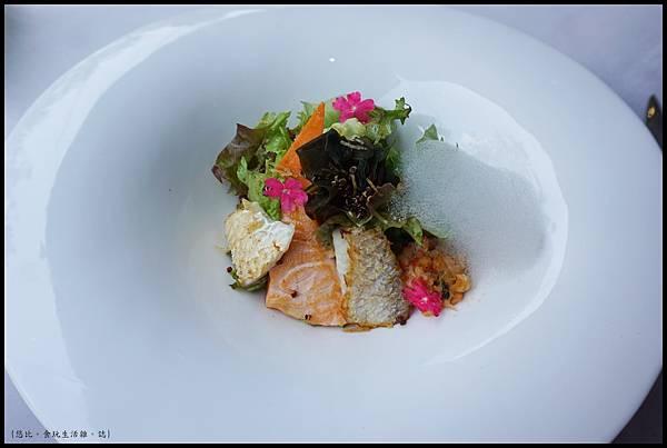 席樂法式料理-微煎海鮮沙拉-1.JPG