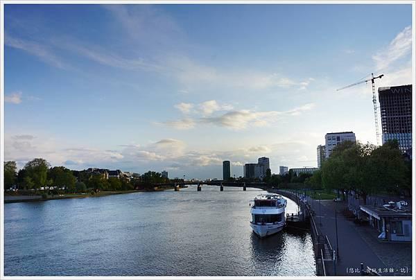法蘭克福-美茵河畔-1.JPG
