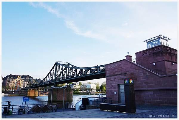 法蘭克福-鐵橋-1.JPG