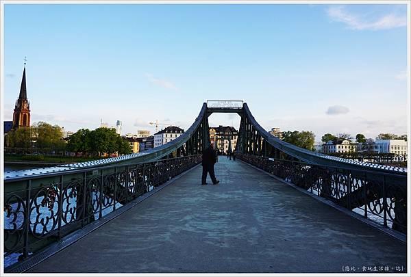 法蘭克福-鐵橋-5.JPG
