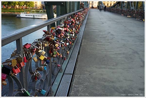 法蘭克福-鐵橋-9.JPG