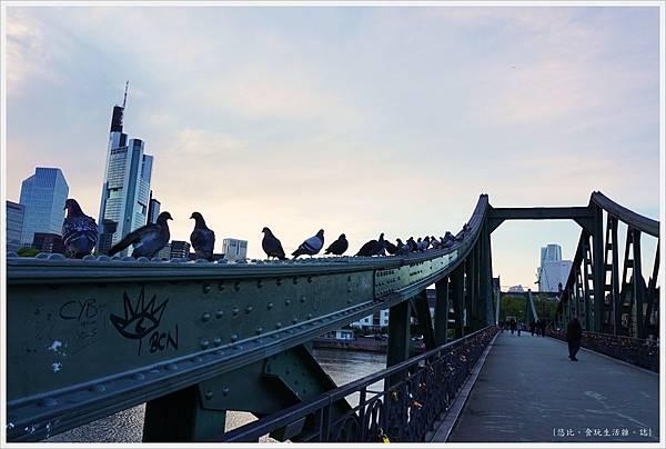 法蘭克福-鐵橋-15.JPG
