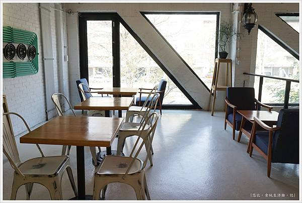 隔壁咖啡-2樓-8.JPG