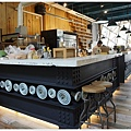隔壁咖啡-一樓-4-櫃台.JPG