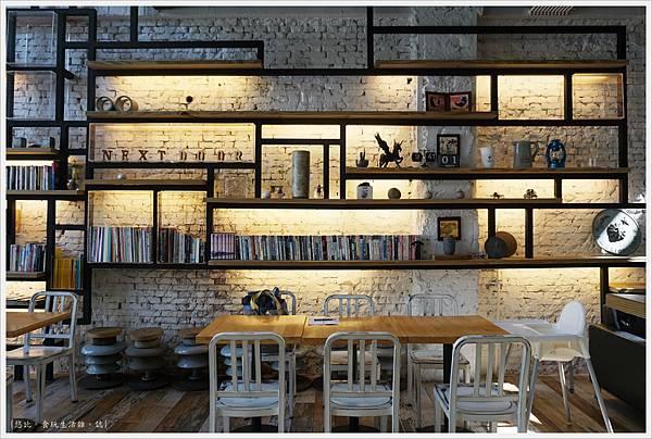 隔壁咖啡-一樓-7.JPG