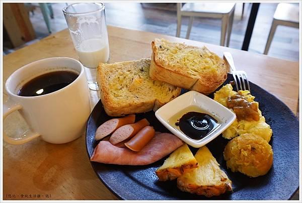 隔壁咖啡-隔壁朝食-1.JPG