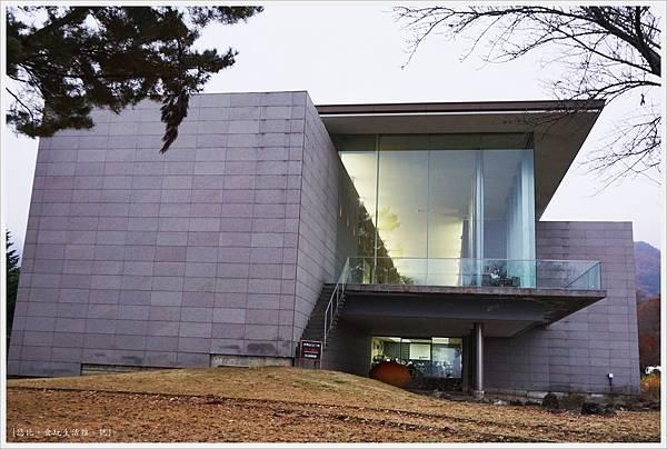 河口湖散策-26-河口湖美術館.JPG
