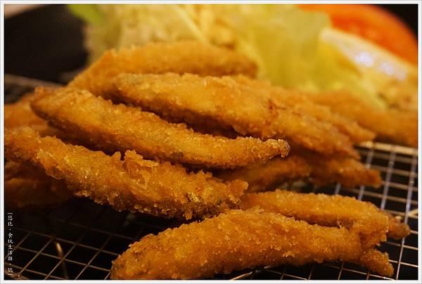 河口湖-湖波-炸魚定食-2.JPG