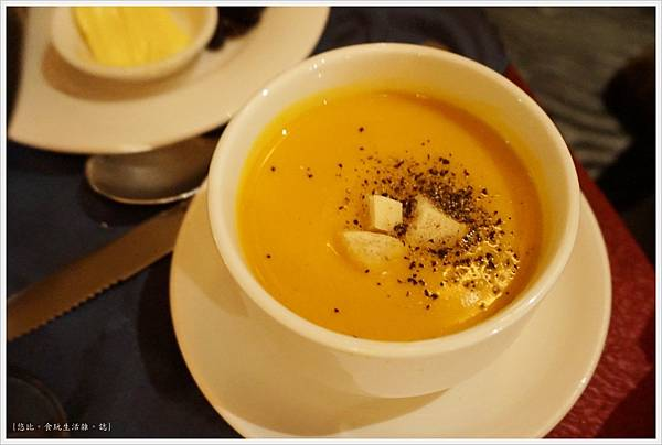 沾美西餐廳-8-奶油玉米湯.JPG