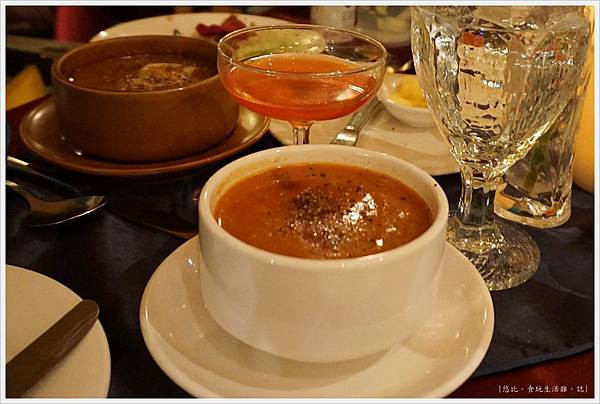 沾美西餐廳-9-牛尾湯.JPG