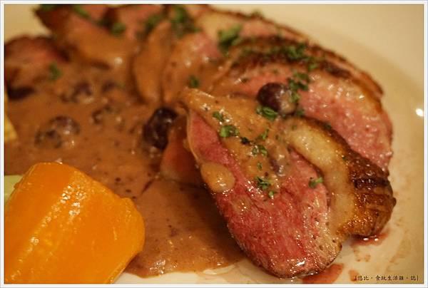 沾美西餐廳-26-香煎鴨胸肉.JPG