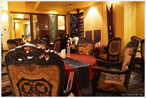 沾美西餐廳-32-店內.JPG