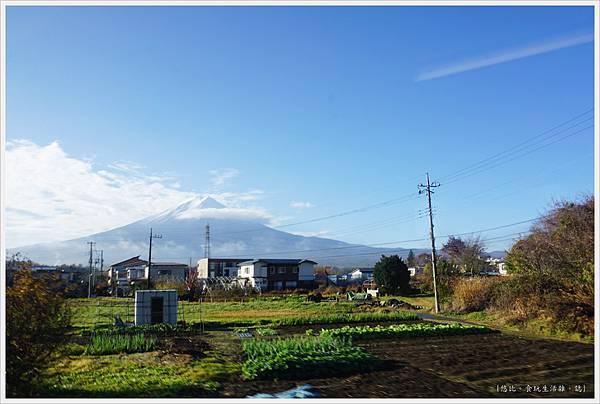 下吉田-4-窗外.JPG