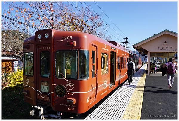 下吉田-29-車站月台.JPG