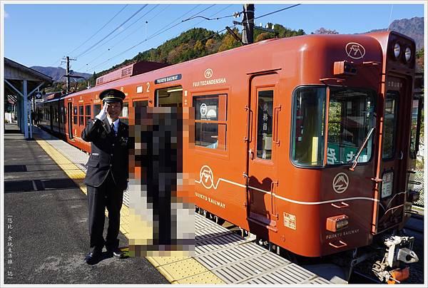 富士登山電車-1-三卡.JPG