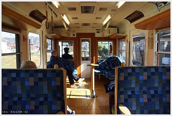 富士登山電車-4車上.JPG