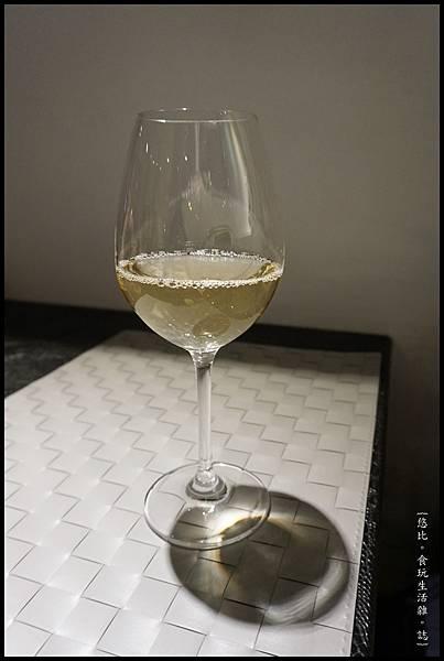 茉芮霖-17-白酒.JPG