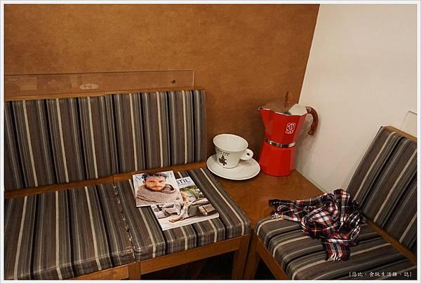 espresso perfetto-13-座位.JPG
