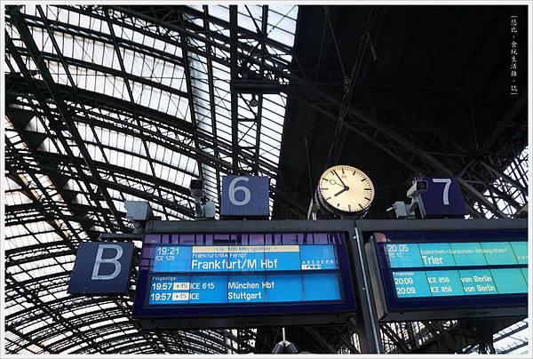 科隆-市區-38-火車站.JPG