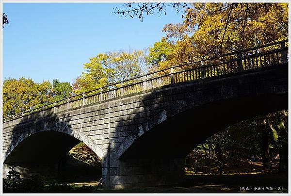 昭和紀念公園-29-石橋.JPG