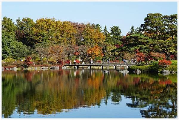 昭和紀念公園-39-日本庭園-木橋.JPG