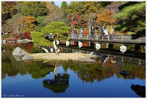 昭和紀念公園-50-日本庭園-龜島.JPG