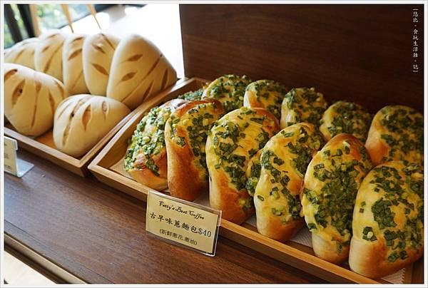 Fatty's崇德店-5-麵包區.JPG