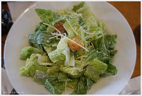 德州鮮切牛排-33-配菜-凱薩沙拉.JPG