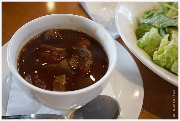 德州鮮切牛排-34-牛肉蔬菜湯.JPG