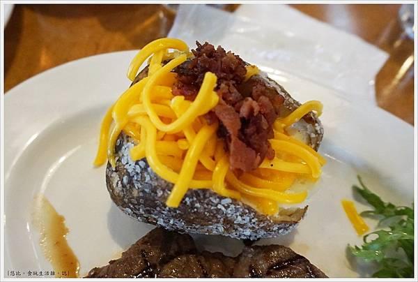 德州鮮切牛排-41-配菜-烘烤馬鈴薯.JPG
