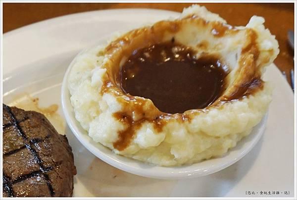 德州鮮切牛排-45-配菜-鮮製馬鈴薯泥.JPG