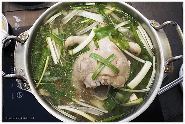 孔陵一隻雞-17-雞湯.JPG