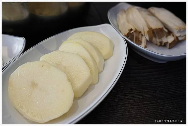 孔陵一隻雞-20-馬鈴薯.JPG