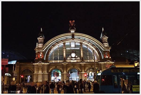法蘭克福車站-2-夜景.jpg