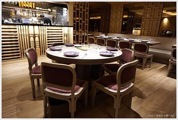 NARA Thai-8-圓桌.JPG