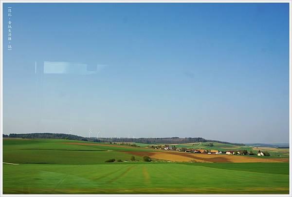 烏茲堡-1-火車上.JPG