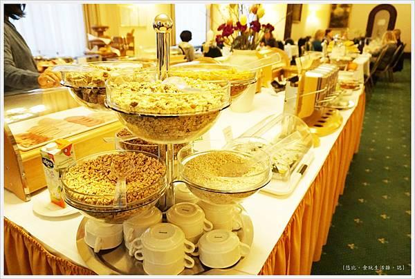 Hotel Monopol莫諾普爾酒店-早餐-15.JPG